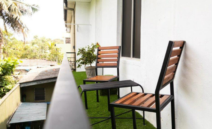 Colombo-srilanka-eco-treat-homestay-apartment-balcony3