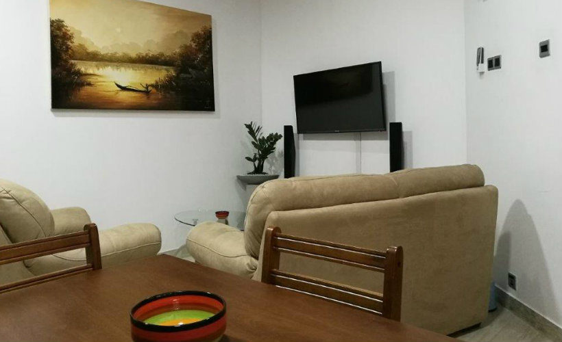 Colombo-srilanka-eco-treat-homestay-apartment-sofa